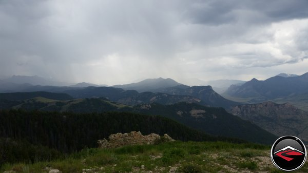 Storms surrounding the top of Bear Tooth Pass